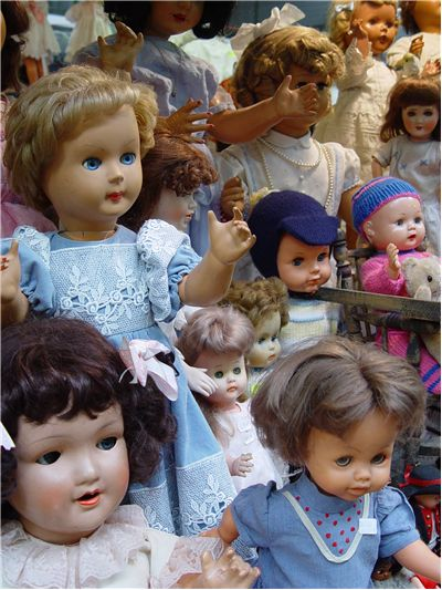 Many Different Dolls